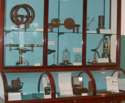 This case, which was part of the original furnishing of the Laboratory, contains some of the apparatus bought by the Cavendish Laboratory before 1877