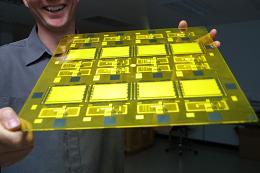 CDT's Plastic LED Test Cells