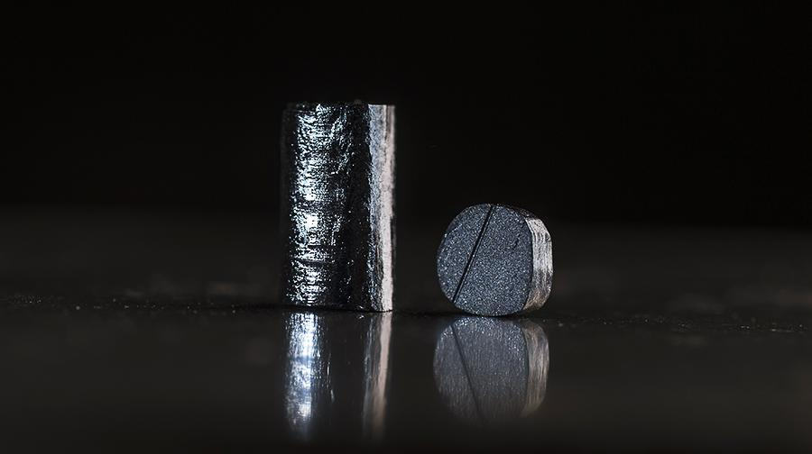 Cavendish researchers discover 'paradoxical' crystal with dual metal-insulator properties.