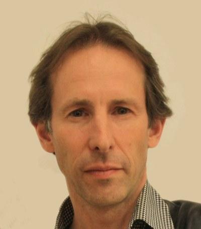 Professor Jeremy J Baumberg