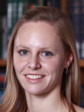 Dr Helena  Knowles
